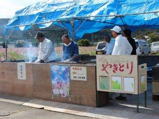 江上町の皆さん総出で祭りを世話する