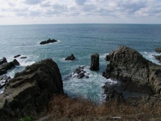 Legends abound concerning how and why the Tojinbo cliffs were formed