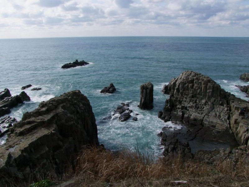 <p>Legends abound concerning how and why the Tojinbo cliffs were formed</p>
