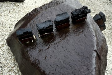 <p>Embedded wooden dowels for joining stones together</p>