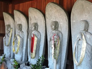 Six jizo statues welcome you at the entrance of Taicho-ji Temple