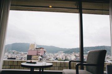 <p>City views</p>