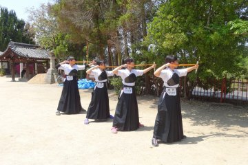 <p>This group of beautiful girls showed me how the beautiful art of Kyudo should be done, thank you girls!</p>