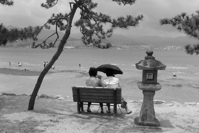 Miyajima trong những bức ảnh đen trắng