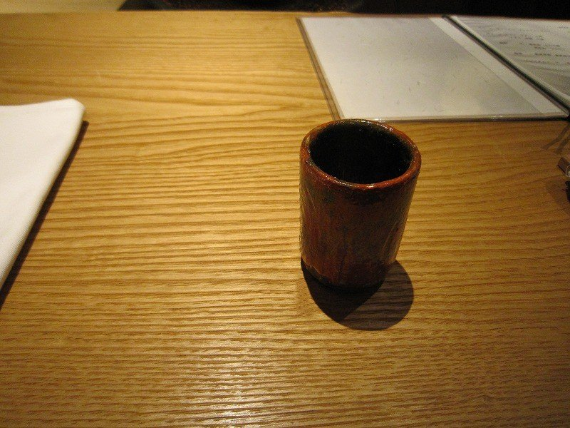 茶の湯における懐石料理の手順である。先ず、湯桶が供される。微かな塩味の白湯で胃を温める