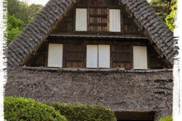 <p>Дом Эмукай из префектуры Тояма (конец 17-го века).</p>