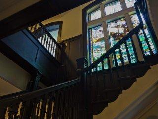 계단까지 아름다운 항구 기념공회당