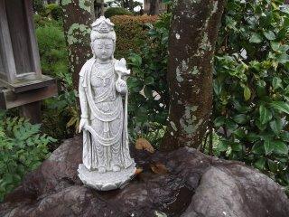 Một trong những pho tượng Phật cổ hơn