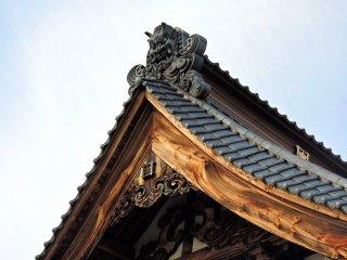 묘텐지의 아름다운 지붕장식