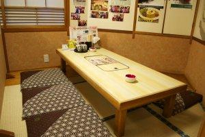 Tables at IzakayaKuidoraku: Set, and waiting for customers
