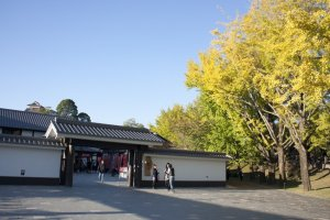 บริเวณทางเข้าSakurano Baba – Josaien (Sakuranokouji) ก็สวยไม่แพ้ด้านในเลย