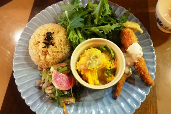 The one-plate lunch special at Le Coccole