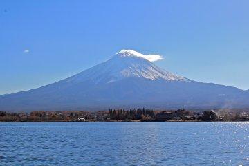 <p>Breathtaking view of Mt. Fuji from Lake Kawaguchiko</p>