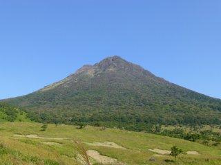 Mt Yufu on a clear day