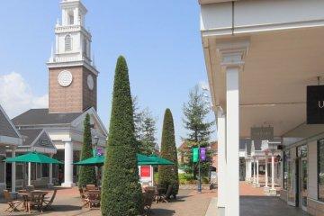 <p>&nbsp;栃木县一日游,佐野名牌购物中心,到农业镇采摘草莓及游覧足利花卉公园</p>