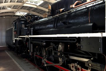 C5856 Steam Locomotive Train