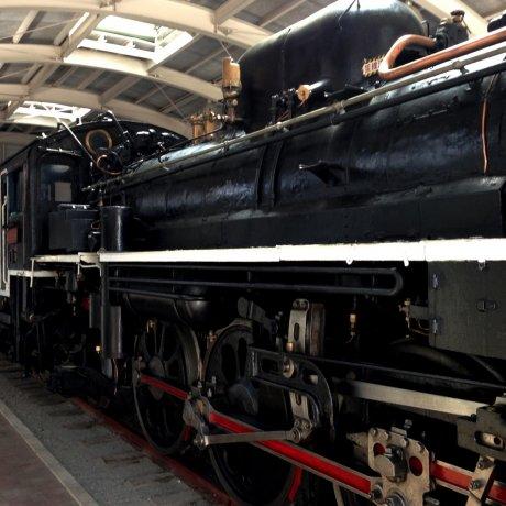 C5856 Steam Locomotive Train