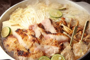 <p>Grilled chicken and chicken meatball hotpot with sudachi</p>