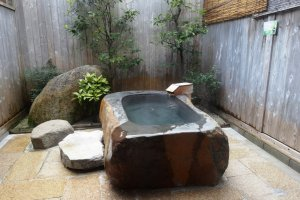 One of the rotemburo (outdoor bath) at Yunokawa
