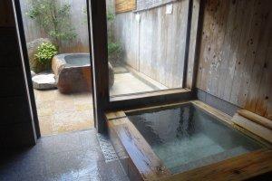 """An onsen """"suite"""" at Yunokawa"""