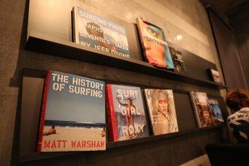 <p>Surf books on the book shelf</p>