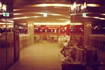 <p>Club Med: столовая</p>