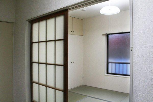 ตัวอย่างห้องพักในโตเกียวที่เปิดให้เช่าในระยะสั้น-ระยะยาว ซึ่งทางIroha Corporation ให้บริการหาห้องพักตามความต้องการ