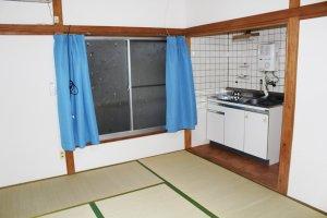อีกภาพตัวอย่างของห้องพักที่เปิดบริการให้เช่าทั้งในระยะสั้นและระยะยาว