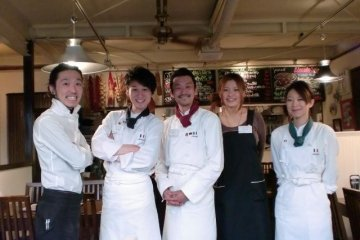 <p>The chef, cook, pastry chef, baker and bartender all work together to make one great dish.</p>