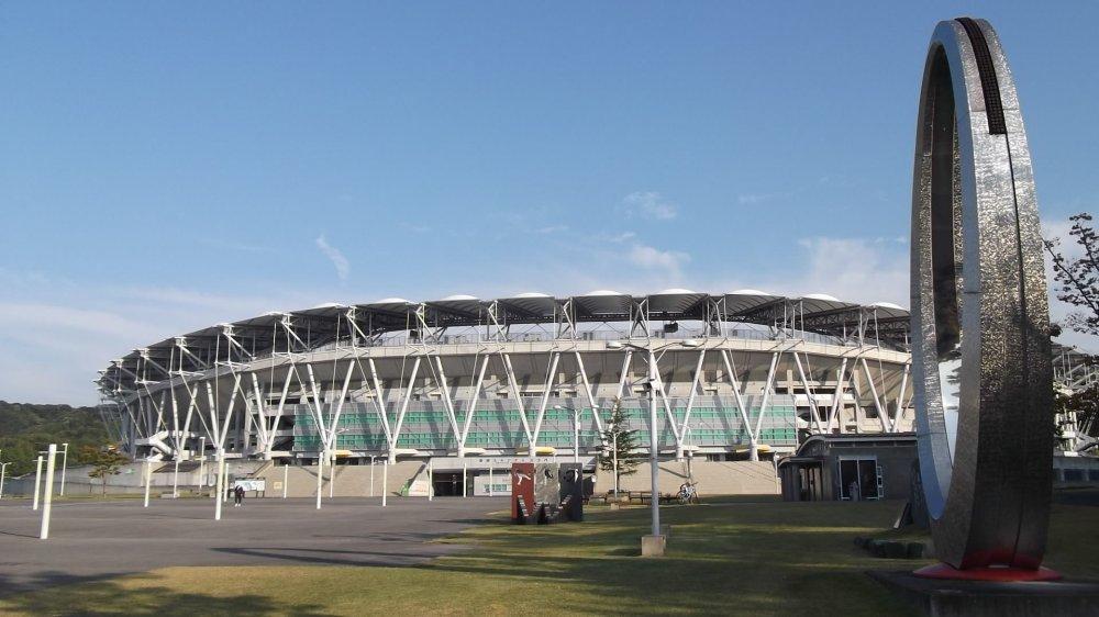 Tampak stadion dengan desain yang menarik