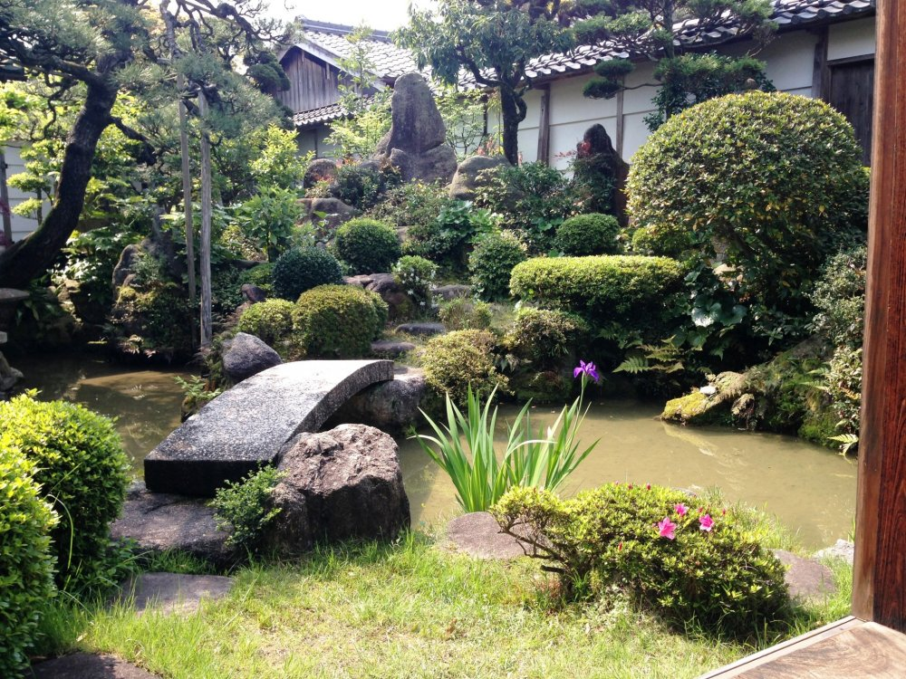 A traditional Japanese garden at Mikami's house.