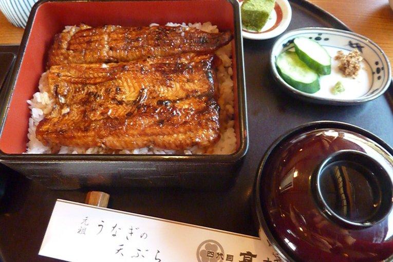 変わらぬ味を守り続ける割烹・鰻料理の名店