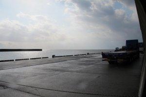 徳之島の亀徳港