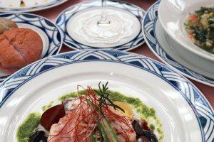 和の食材に和の味付けで、西洋会席コースをお箸で提供されています。