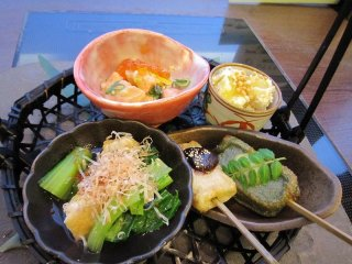 京都おばんざい盛り合わせ。「おばんざい」とは、普段のご飯のおかずのこと