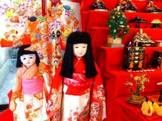 Здесь есть куклы всех размеров