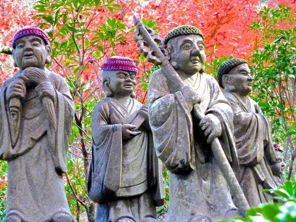 4 estátuas Rakan, discípulos de Buda