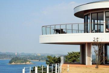 <p>Balcony off the restaurant</p>