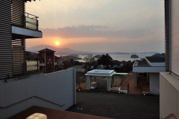 <p>Sunset at Tenku-no-Fune</p>