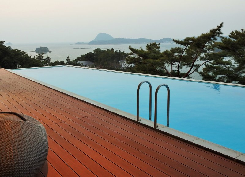 <p>The lobby/lounge overlooks this lovely pool.</p>
