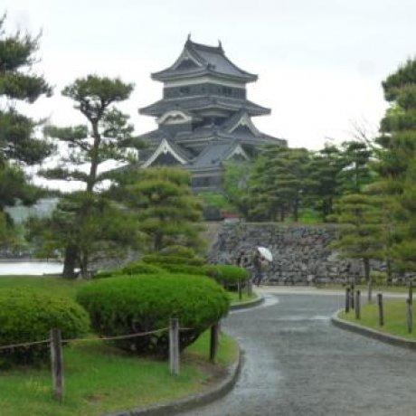 Exploring Matsumoto Castle