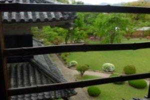 Вид на сад из замка