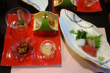 <p>The appetizer course at dinner</p>