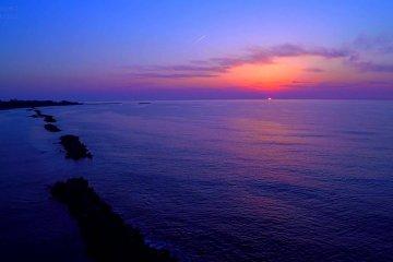 迷人的鷹巢海灘夕陽