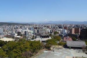 เมืองคุมะโมะโตะมองจากหอคอยใหญ่