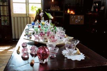 <p>Pretty glassware</p>