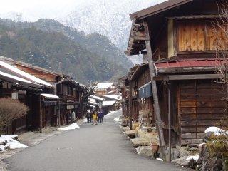 ซึตมะโกะ (Tsumago) เมือง post town ที่เคยเป็นจุดพักแรมบนเส้นทางนะกะเซ็นโดะ (Nakasendo)