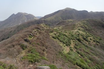 <p>The trail has a surprising number of flat sections</p>
