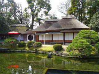 โรงน้ำชา (tea house) ภายในสวนโคะระกุเอ็น