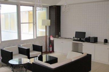 A lounge room at OakhouseKamata260